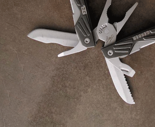 Pocket Knives & Multi-Tools
